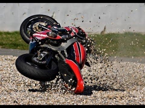 Acidentes de Moto Incríveis pelo Mundo