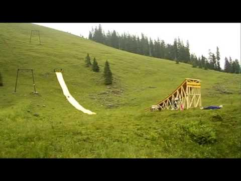 MEGAWOOSH - Bruno Kammerl jumps