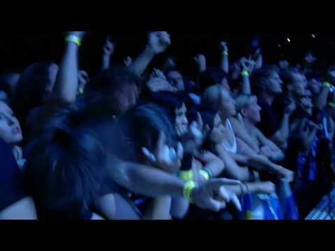 Iron Maiden - 2 Minutes To Midnight (Flight 666) [HD]