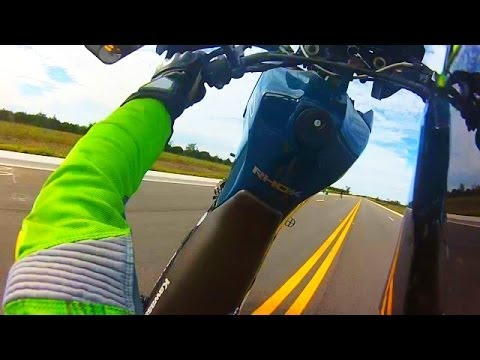 MOTORCYCLE WHEELIE CRASH