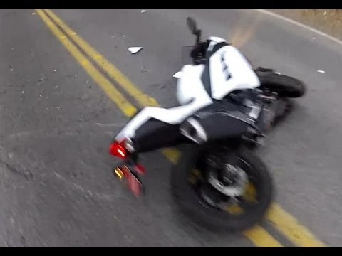 2013 Kawasaki Ninja 300 Motorcycle Crash Lowside, Live Oak, Trabuco Canyon, CA (Season: WINTER, Jan)