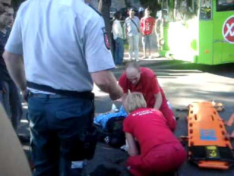2011-06-05 19:05 Motociklininko avarija Kaune ant Savanorių pr. kalno