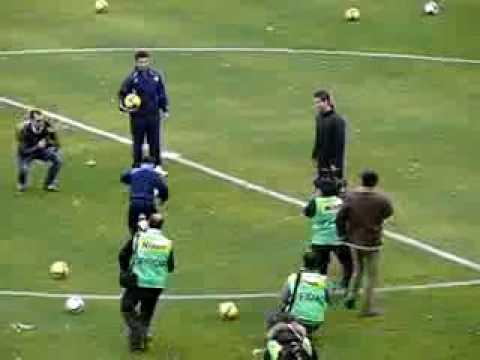 Un ragazzino stupisce Cristiano Ronaldo chi  piu bravo?