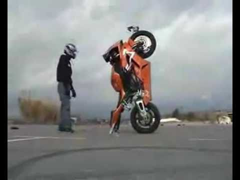 Street Bike Stunts.3 - HONDA CBR 1000RR in 2012!