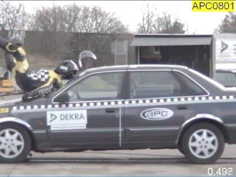 Salmo airbagas,tikriausiai pats aktualiausias dalykas motociklo aprangai...
