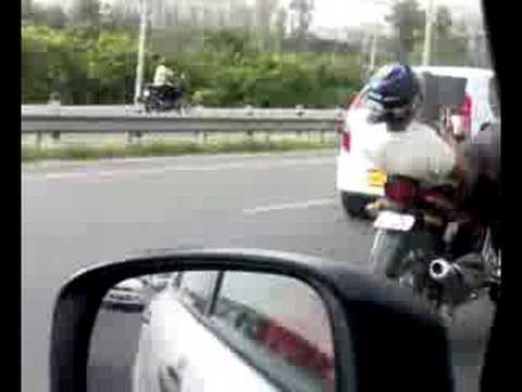 Indiško vairavimo ypatumai