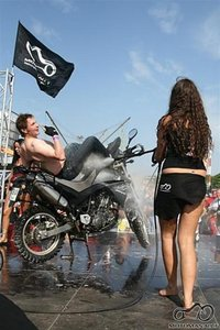 Bike Show Millenium 2008 - Arba kas as veikiau Linoliume