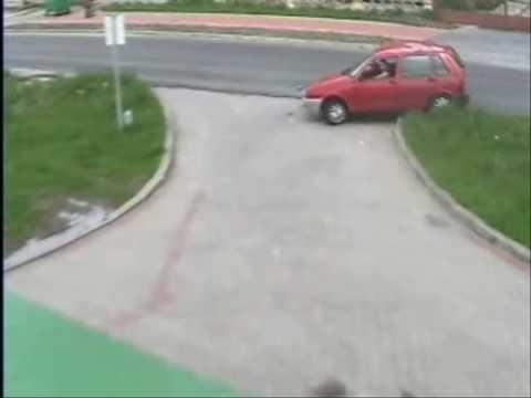 PRUDNIK - Zderzenie motocykla z samochodem