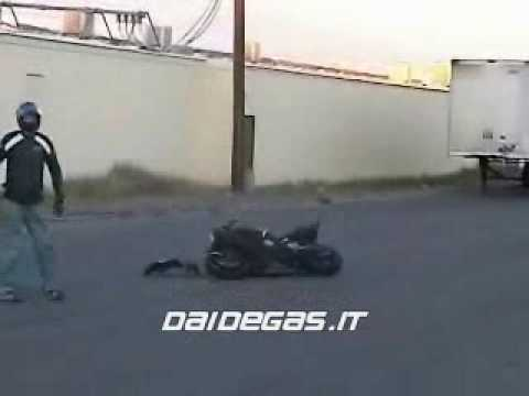 2002 Yamaha R1 Crash