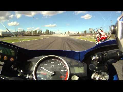 ADRIA raceway On Board YAMAHA R6 Gallocchio Roberto con CBR600 Marco Faccia che cade SETT 2010 HD