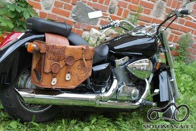 Odinių kelioninių motociklų krepšių gamyba Vilniuje