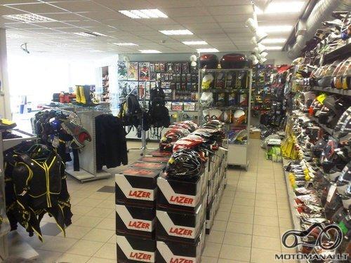 Prekyba motoapranga Kaune ir Vilniuje